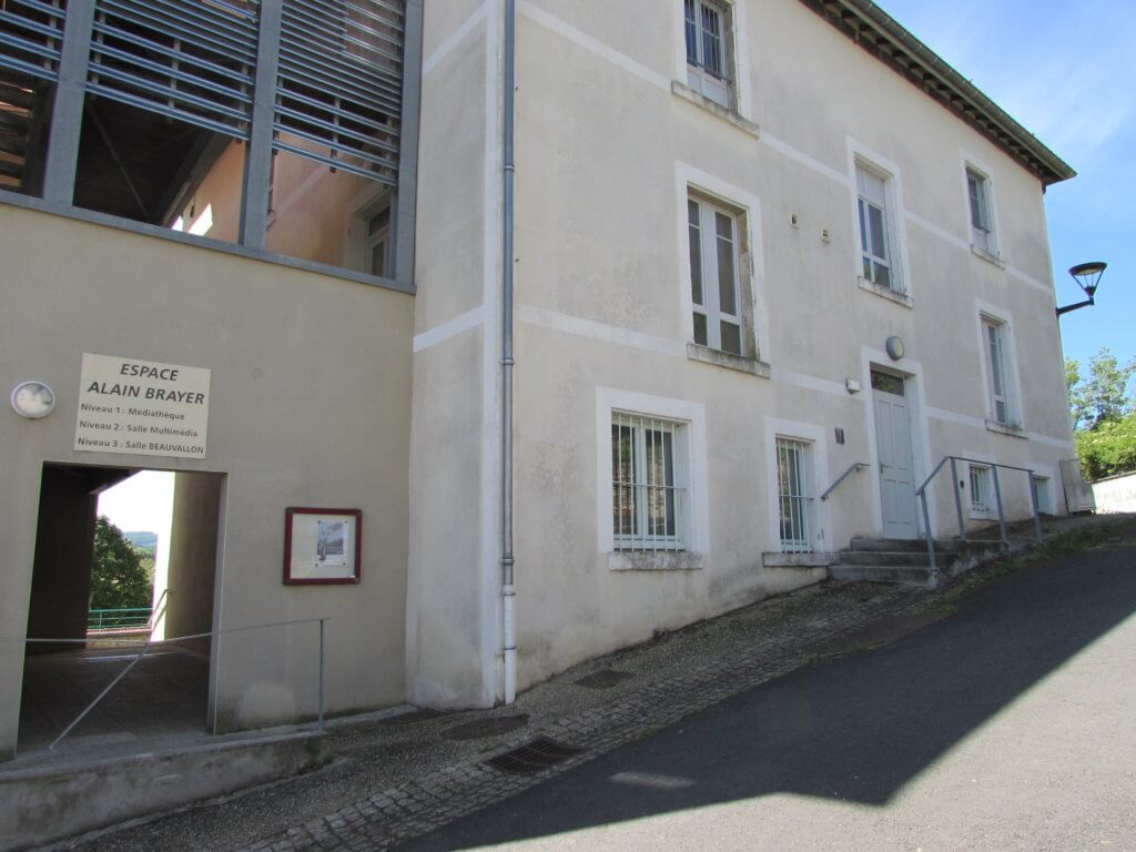 Médiathèque d'Egliseneuve près Billom